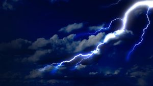 Strong Thunderstorms in Phoenix Area For Third Straight Day