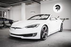 Tesla Model S Becomes A 2-Door Convertible: Not Bad!
